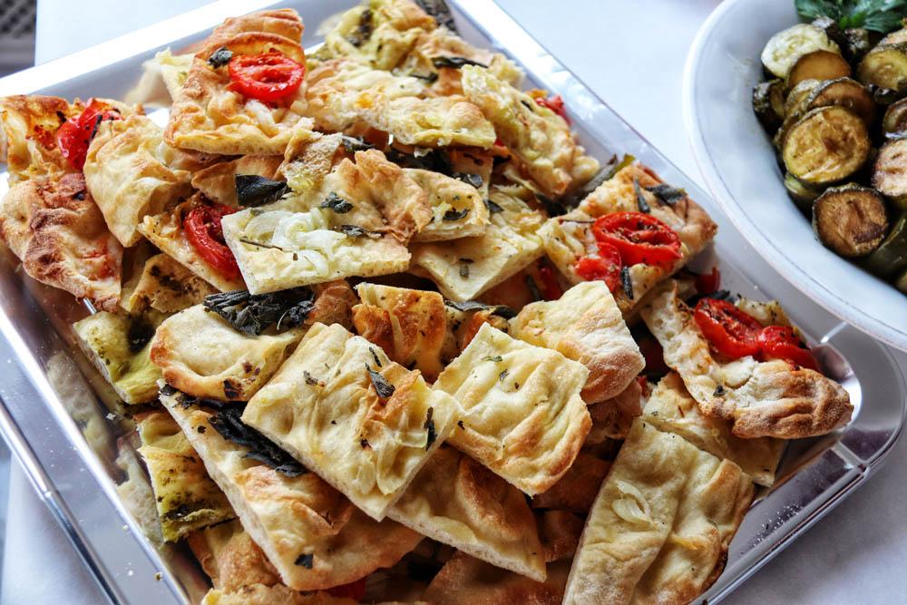 Pizza bread with dried tomato