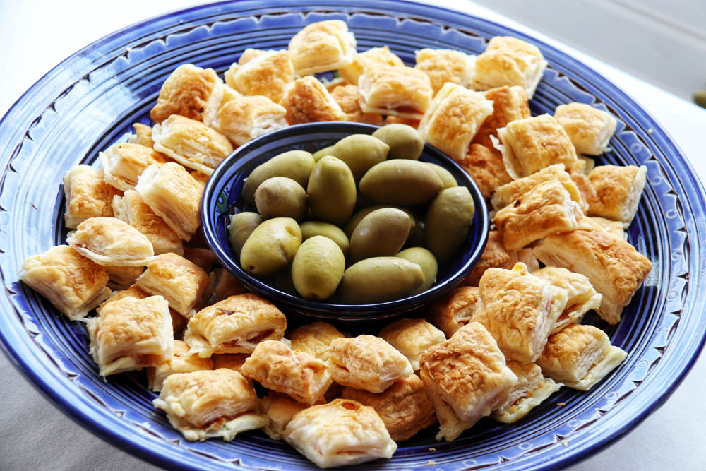 Puff pastry with olives