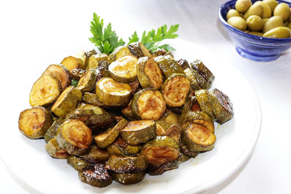Zuccini und Oliven