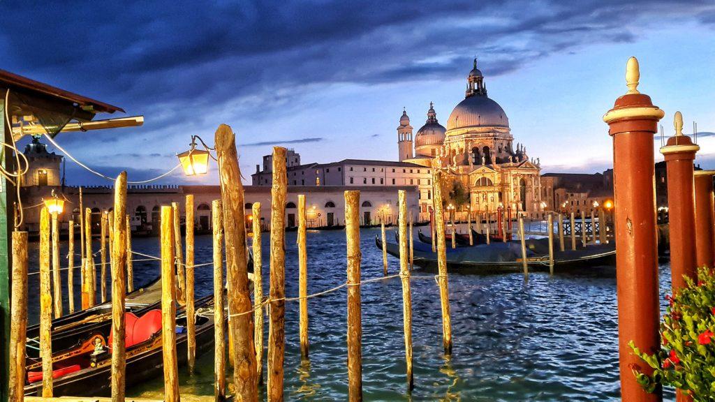 Basilica della Salute Venezia by Night