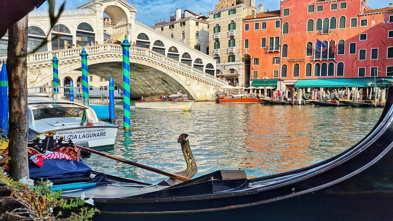 Ponte Rialto, Venedig, Blick von der Gondel
