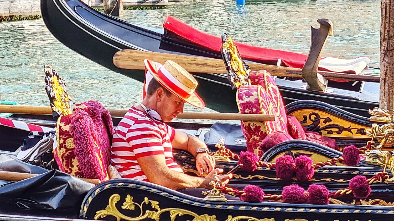 Venedig, Fahrt auf dem Canal Grande, Gondoliere