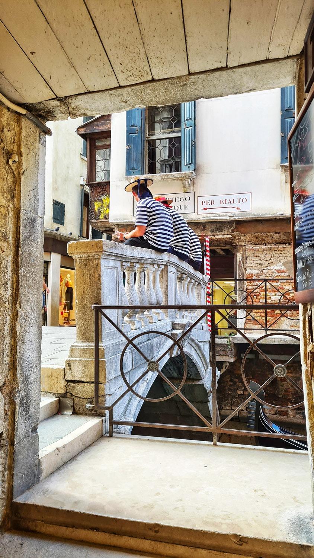 Venice, Canale Grande Tour, 3 Gondoliere
